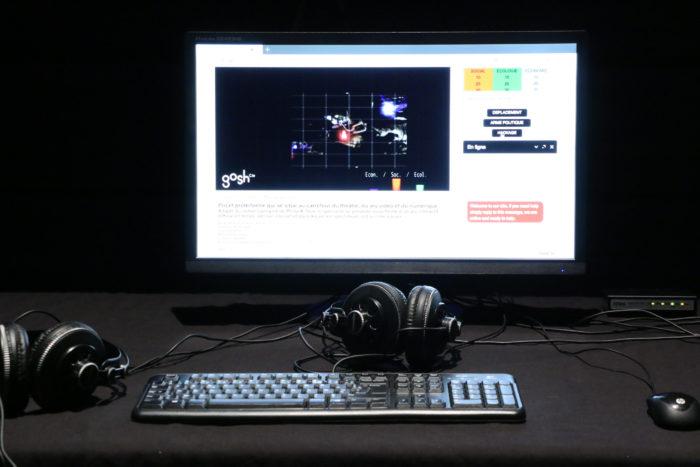 Gros plan d'un écran d'ordinateur et d'un clavier