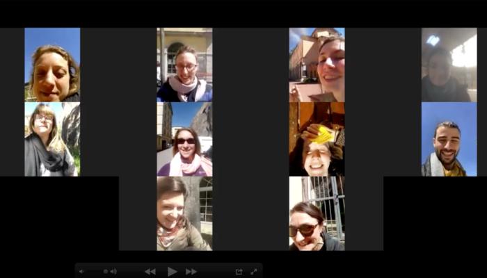 Capture d'écran d'une discussion Zoom : vignettes de visages en mosaïque